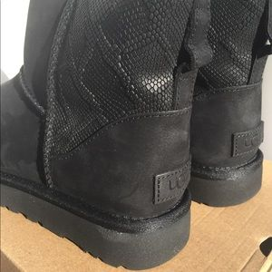 7ea0a7f92644 UGG Shoes | Boots Classic Mini Snake Womens 9 | Poshmark